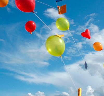 風船でストレスを例える写真